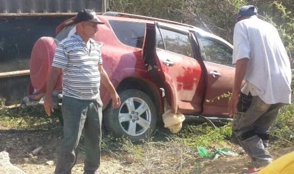 Montecristi: choque entre una jeepeta y la cola de una patana deja un saldo de cuatro personas muertas