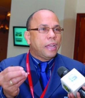 El director de la Procuraduría Especializada Antilavado de Activos advirtió a los verdaderos empresarios gallísticos que el narcotráfico penetró en las galleras del país