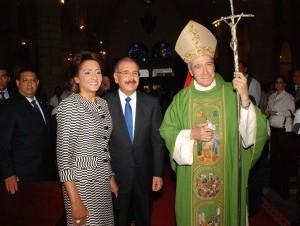 El Cardenal Nicolás de Jesús López Rodríguez  sugiere a futuros mandatarios aprender de Danilo Medina quien a hecho un gran gobierno